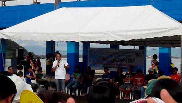 Gov. Noveras giving his message during the Alay Lakad 2013